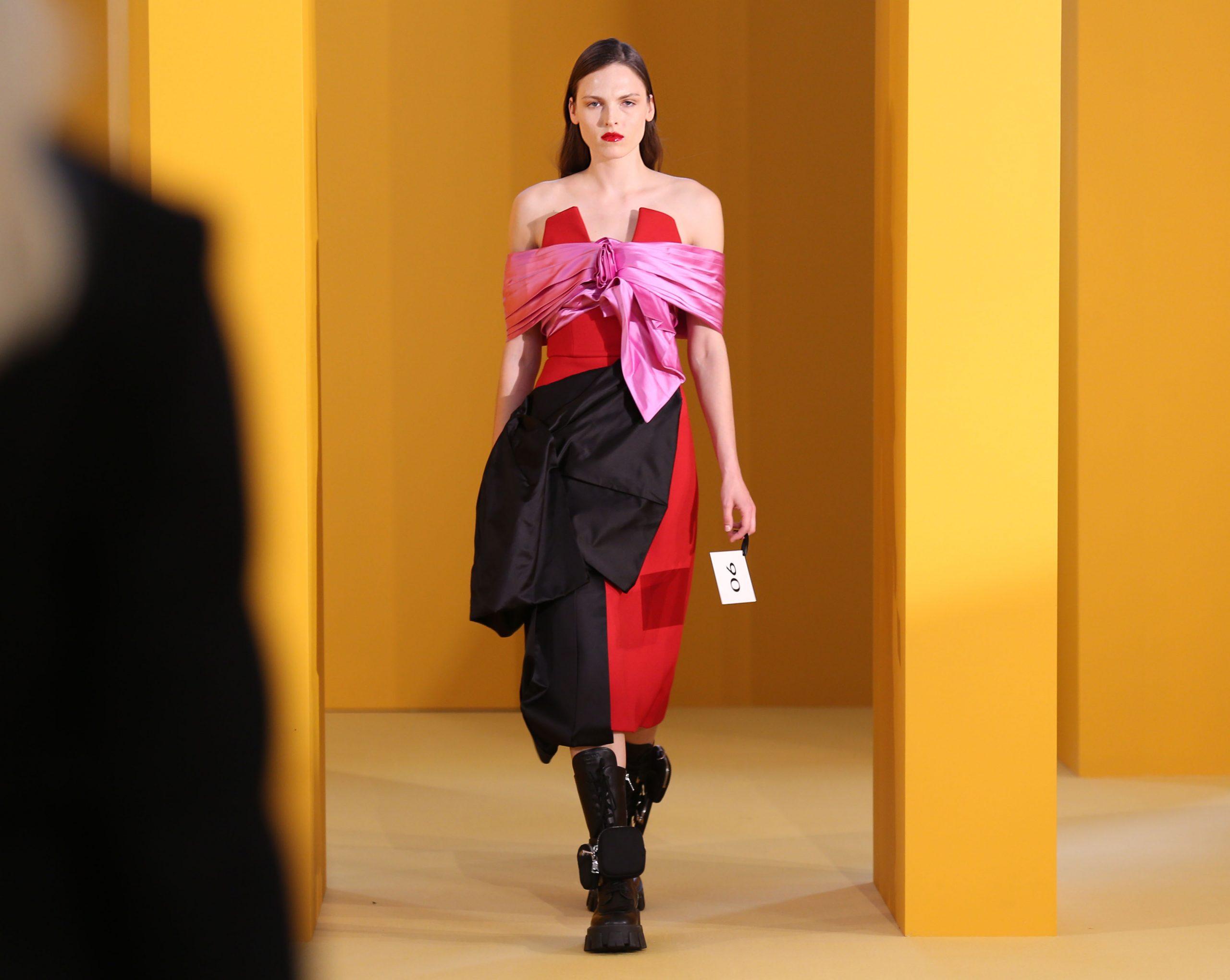 fashion show iPad kiosk app